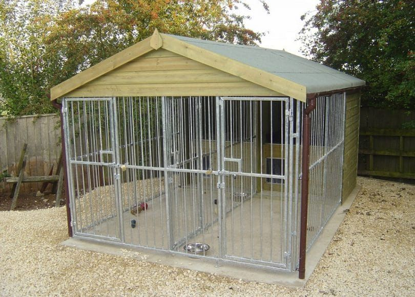 Dog pen with roof