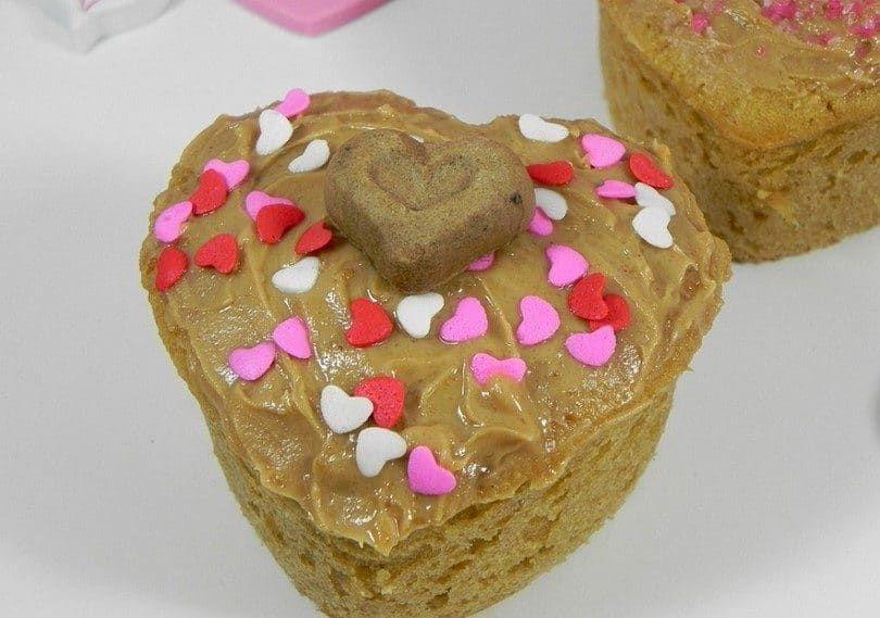 Valentine puppy cakes